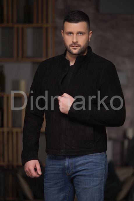Весенняя мужская куртка из замши