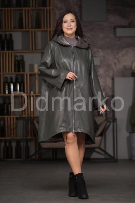Купить Стильный кожаный плащ с капюшоном цвета оливы в Москве и Санкт-Петербурге