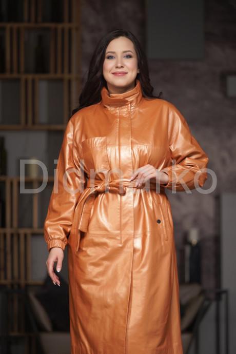 Весенний кожаный плащ цвета апельсина