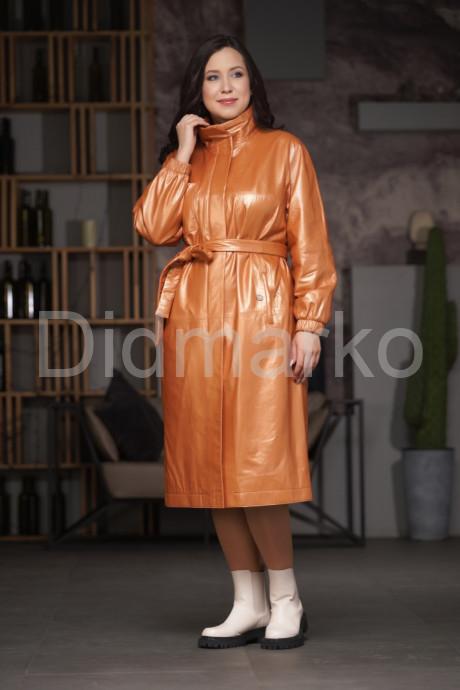 Купить Весенний кожаный плащ цвета апельсина в Москве и Санкт-Петербурге