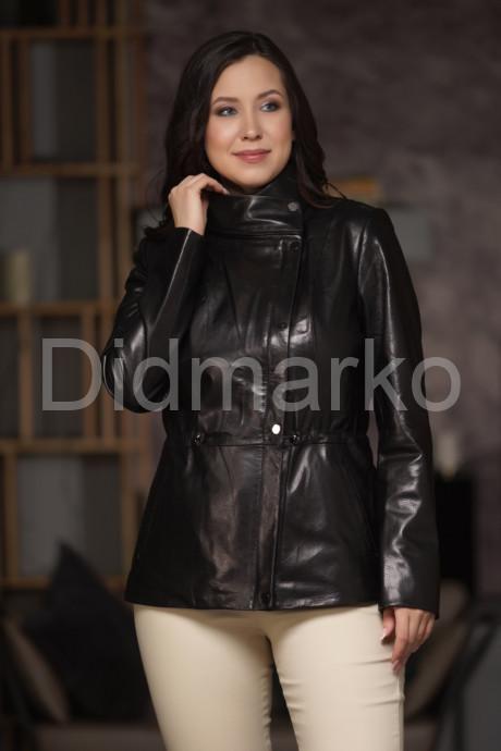 Кожаная куртка со съемным капюшоном и воротником стойкой